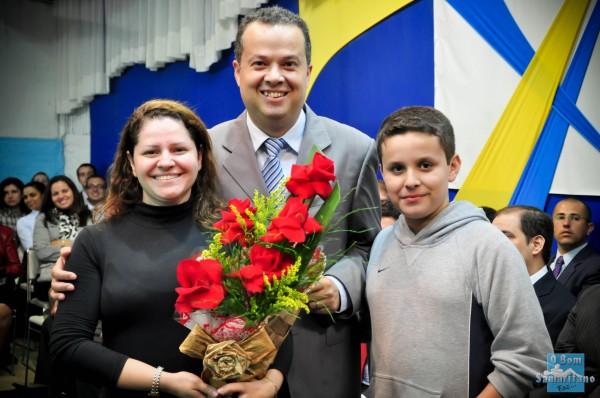 Pr. Moises Martins e familia