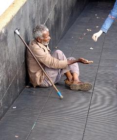Jesus te quer pobre